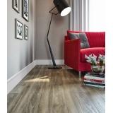 instalação de piso laminado cinza